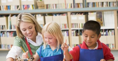 5 công việc làm thêm phù hợp nhất cho thời gian du học