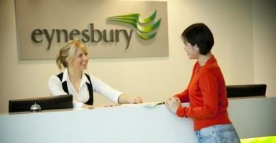 Trường Eynesbury tại Úc, Chương trình đào tạo từ Phổ Thông đến dự bị Đại Học